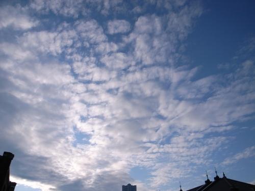 赤レンガ倉庫から見た曇り空